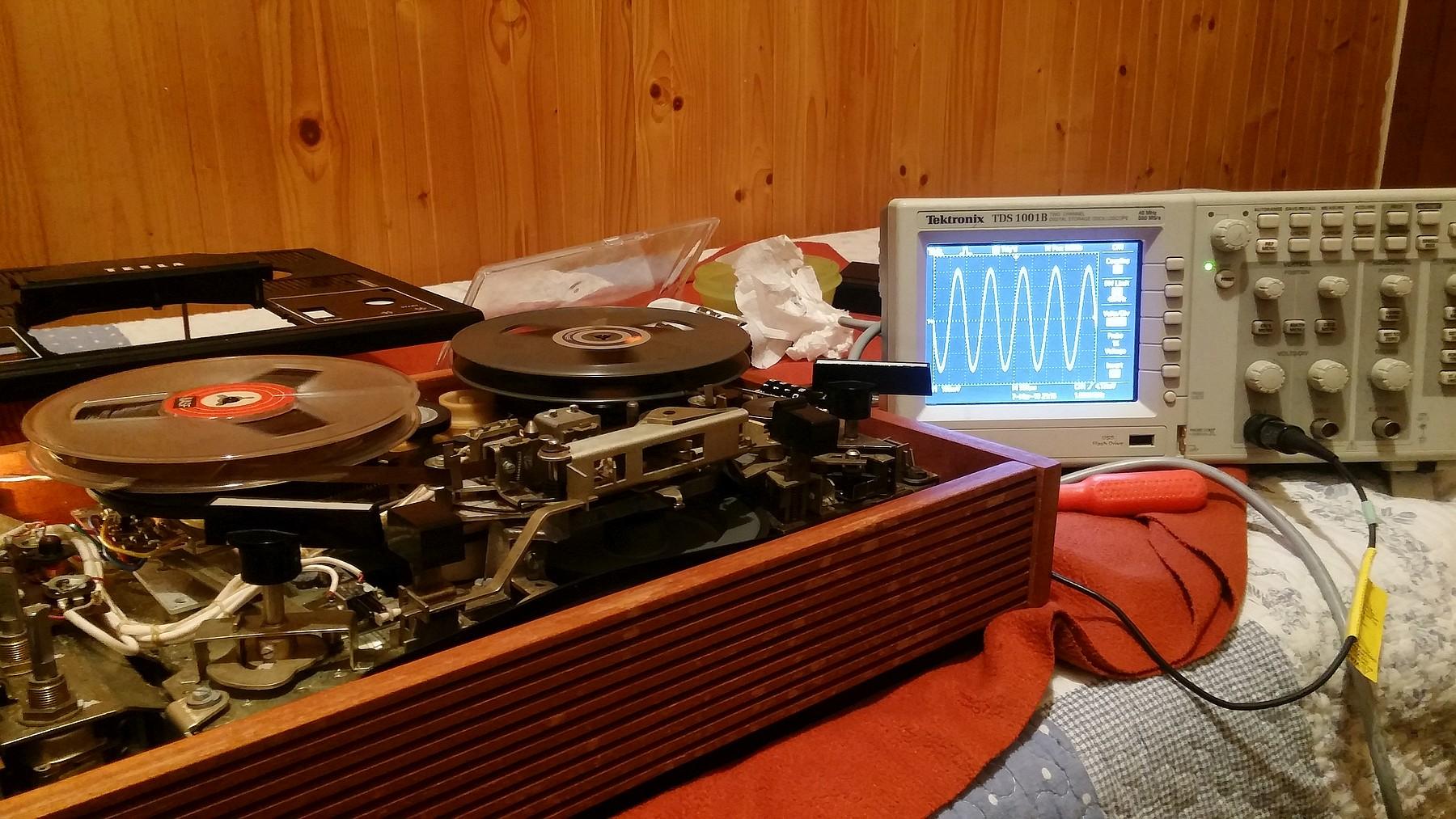 TESLA B101 reel-to-reel tape recorder – BOGIN, JR